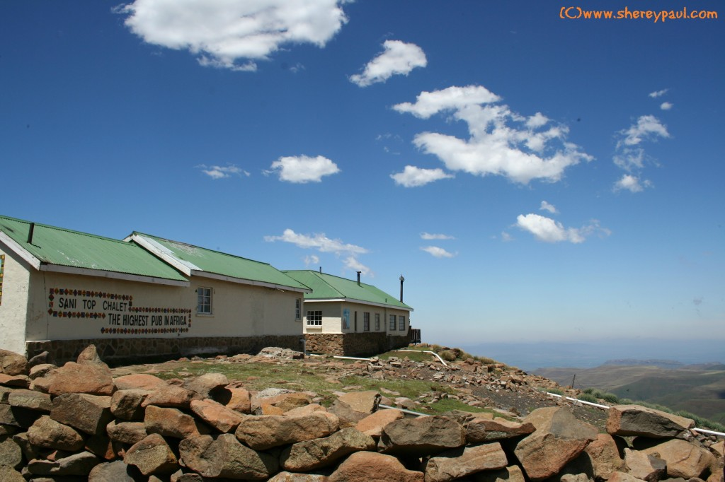Sani Top Chalet - Highest pub in Africa