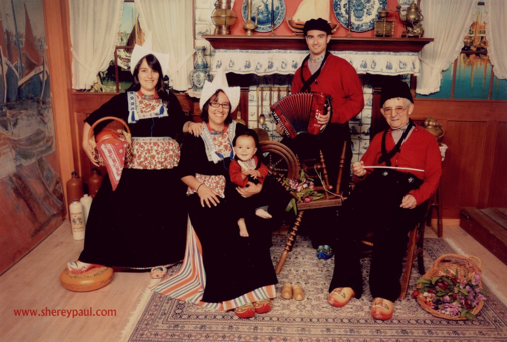 Photo in traditional costume in Volendam