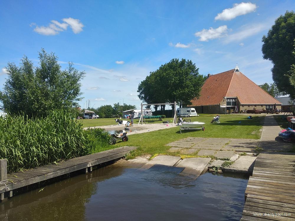 boerencamping aan het water in Friesland - Ykema