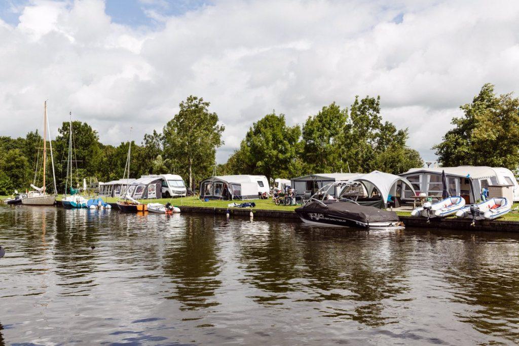 campings aan het water in Friesland - de kuilart