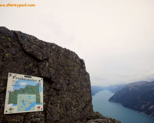 Vlog: Preikestolen with baby and toddler