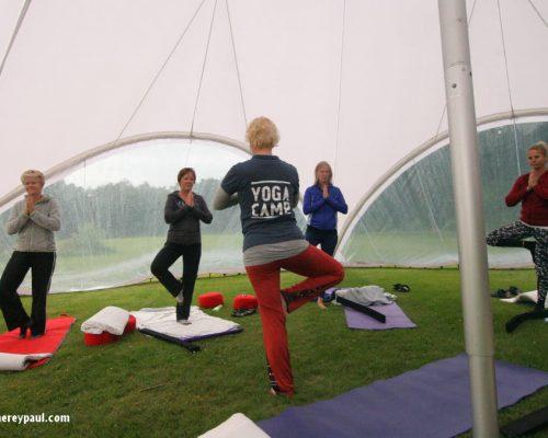 Echte vakantie voor moeders: het YogaCamp bij De Lemeler Esch