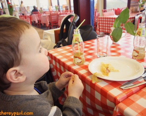 AtoZ of Friesland with kids: gourmet at the poffertjeskraam